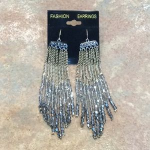 💐5/25 fun long dangle earrings beaded silver tone
